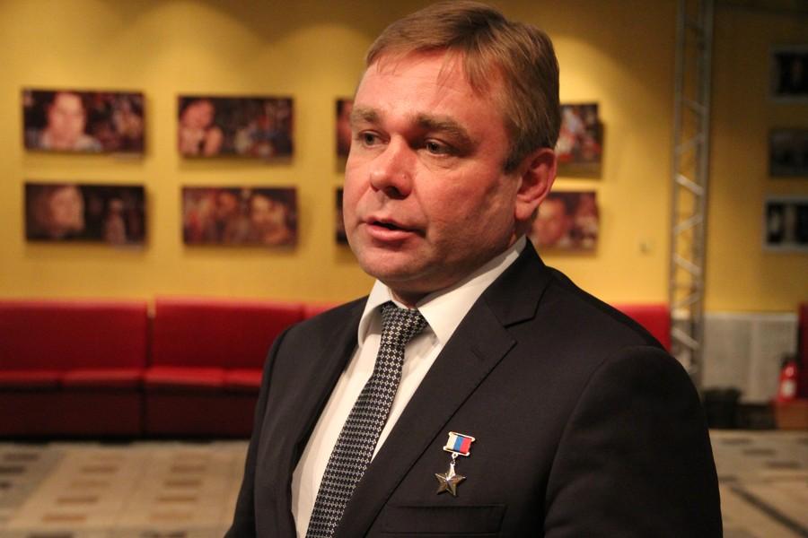 Депутат Госдумы Максим Сураев встретился с коллективом театра ФЭСТ